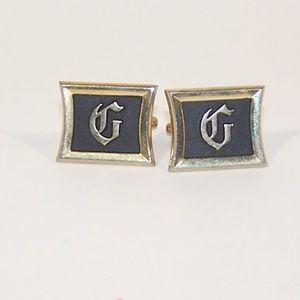 "Men's stylized ""G"" cuff links"